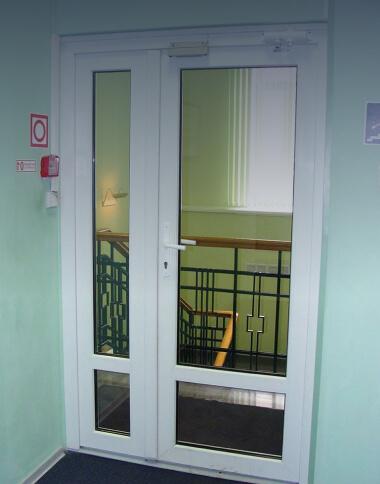 Двери для общественных мест
